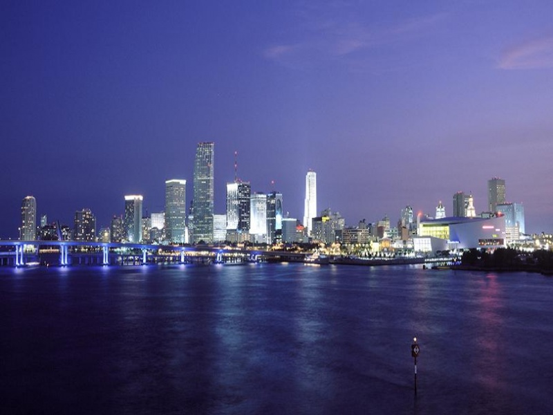 File:Miami night.jpg